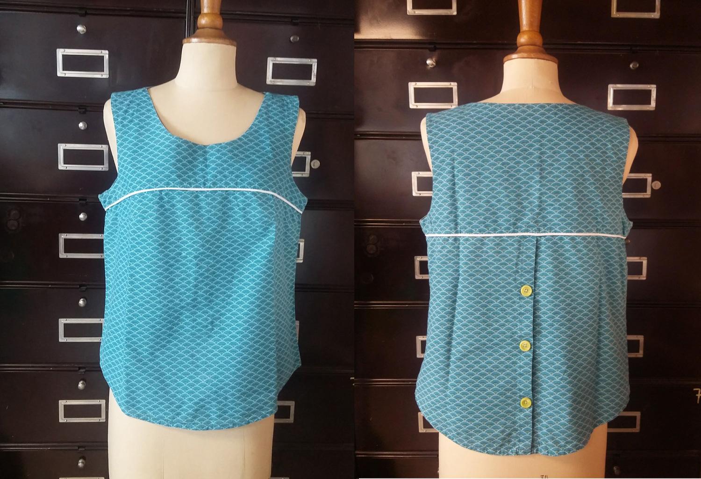 top sans manche avec passepoil blanc et boutonné dans le dos motif bleu japonais cours de couture débutant